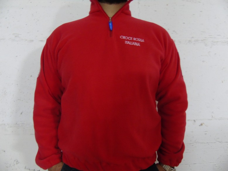 496 FLEECE - RED CROSS