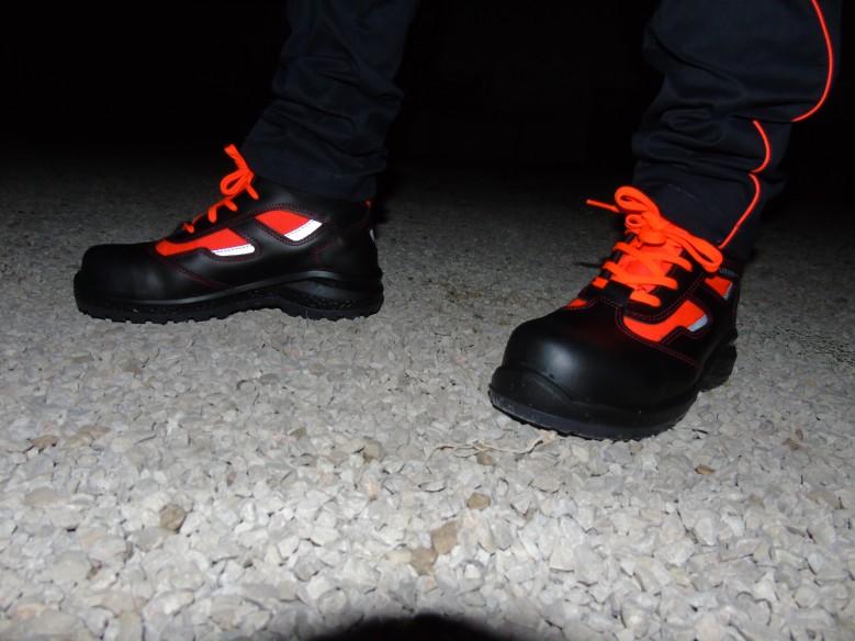 881 red - zapato de soccorso